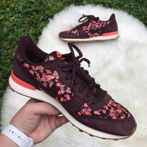 Nike floral purple with polka dots sneaker unique